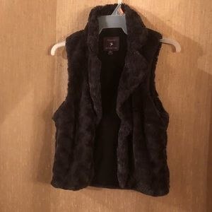 Dark gray, small forever twenty one faux fur vest